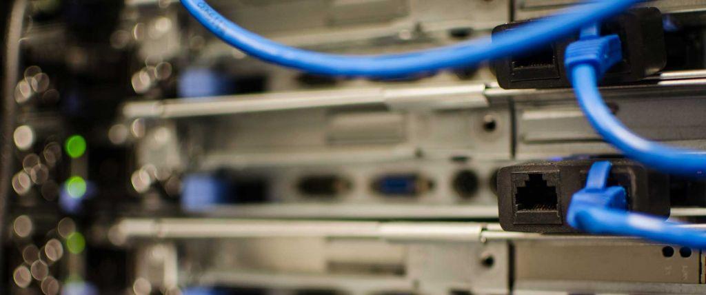 reti-cablate-1024x428 Reti aziendali cablate e wireless